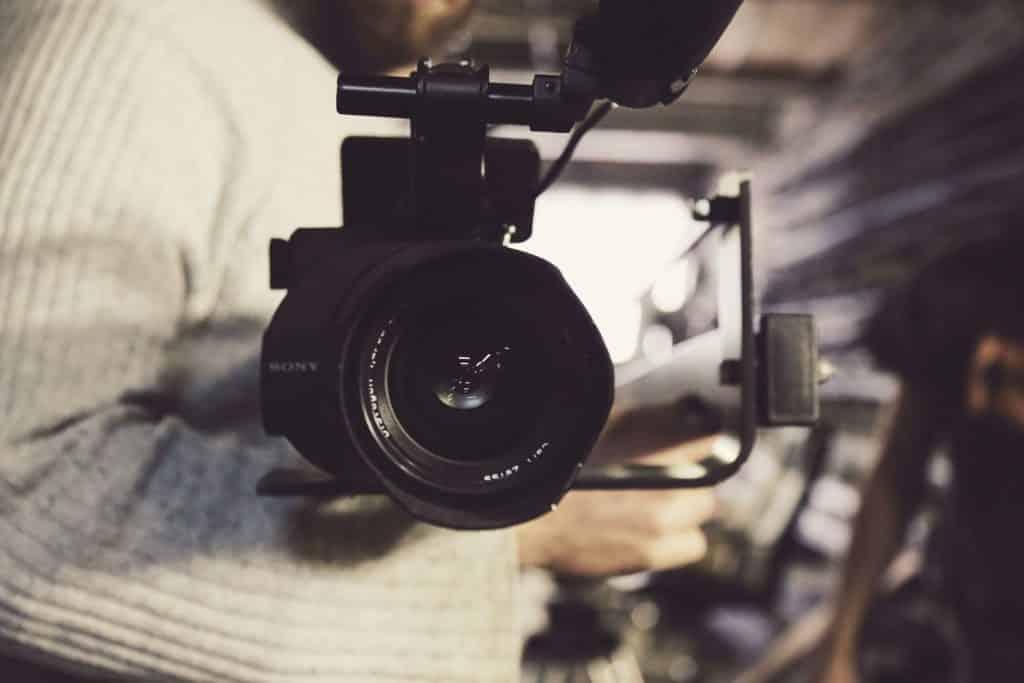 Production de contenus marketing de contenu agence création content marketing story for brand film camera